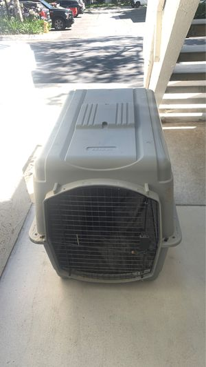Petco dog kennel for Sale in Carlsbad, CA