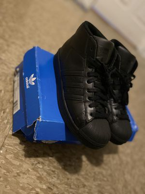 High top adidas!!! Ruff box but original box , $35 for Sale in Queens, NY