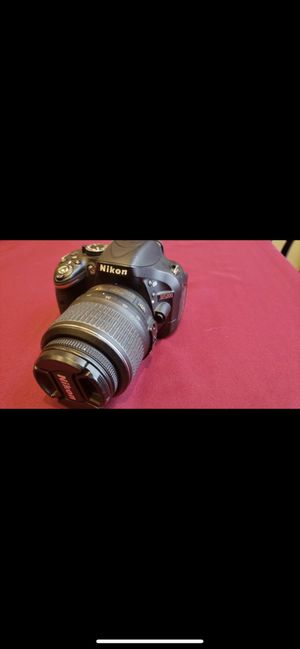 Nikon D5200 for Sale in Hillsboro, OR
