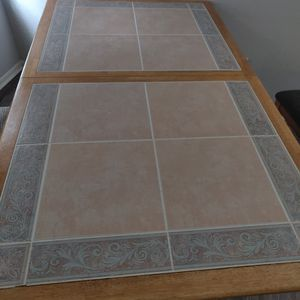 BEAUTIFUL TABLE WITH CHAIRS! for Sale in Altamonte Springs, FL
