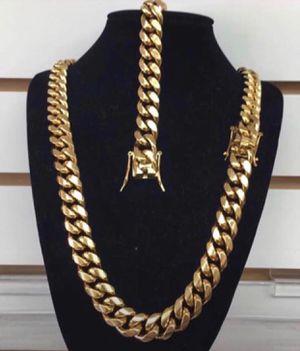 14k gold bonded Jewelry / Ask for Jewelry prices / Preguntar por precios para las prendas for Sale in Miami, FL
