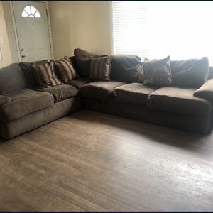 Brown Sectional Couch for Sale in El Cajon, CA