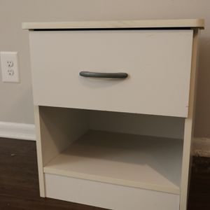 Nightstand w/ drawer for Sale in Gaithersburg, MD