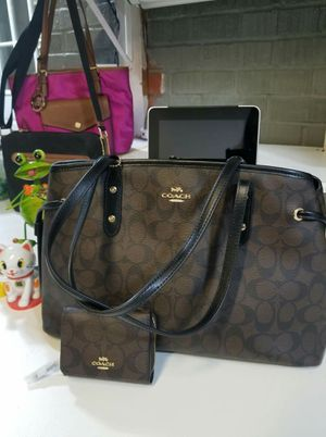 Authentic Coach purse and wallet bundle (new with tags) for Sale in Lincoln Acres, CA