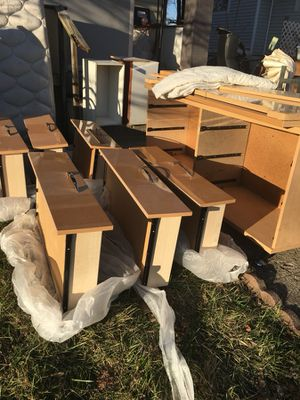 Bedroom set for Sale in Columbus, OH