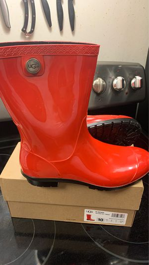 Ugg sienna rain boots for Sale in Waterbury, CT