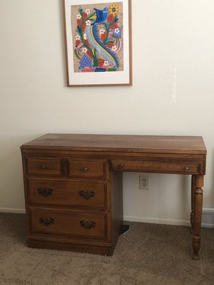 Wood desk, used good condition for Sale in Corona, CA