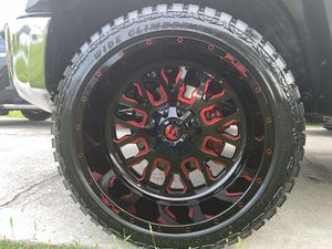 22 x 12 -44 rims - Toyota Tundra - tires 33 12.5 for Sale in Kissimmee, FL