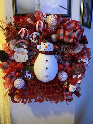 Beautiful 29 inch Christmas wreath for Sale in San Benito, TX
