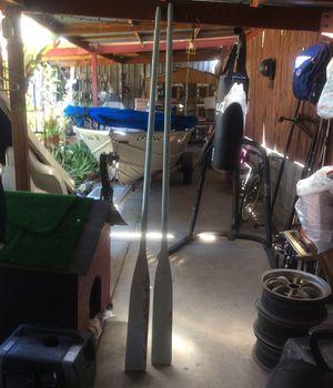 Remos,buenas condisiones for Sale in San Diego, CA