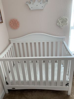 Convertible crib and mattress for Sale in Chesapeake, VA
