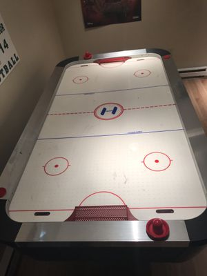 Air hockey table for Sale in Strongsville, OH