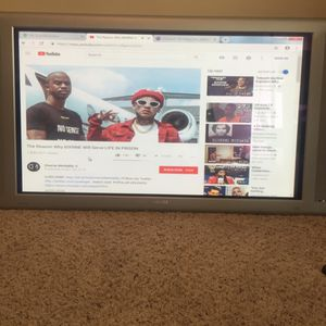 """Philips 42"""" widescreen TV for Sale in San Diego, CA"""