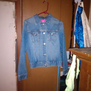 Girls (Teenagers)Gap Denim Button Up Jacket.Size SM for Sale in Sibley, LA