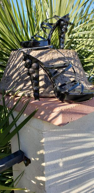 BURBERRY Sea Shells High Heels Platform Patent Leather, 8 1/2 for Sale in Phoenix, AZ