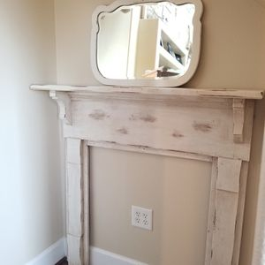 Primitive chic Mantel for Sale in Clermont, FL
