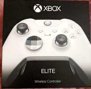 Microsoft Xbox Elite Wireless Controller - White (HM3-00012) for Sale in Arlington, TX