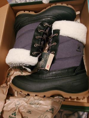 Kamik snow pearl boots for Sale in Corryton, TN