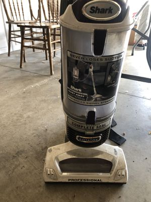 Shark vacuum for Sale in Colton, CA