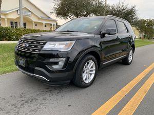 2016 FORD EXPLORER XLT BLACK for Sale in Aventura, FL
