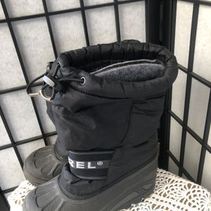 Kids Insulated Snow Boots By Sorel for Sale in Baldwin Park, CA