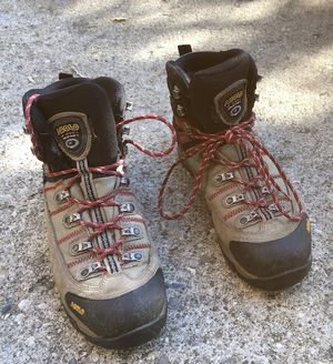 Hiking boots for Sale in Hebron, KY