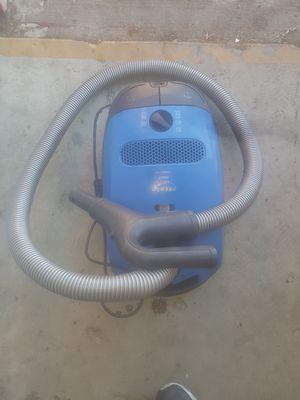 Miele Classic c1 Delphi Powerline Aspiradora de bote con cable, reactiva for Sale in San Leandro, CA