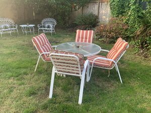 Patio set table & 4 chairs for Sale in Federal Way, WA