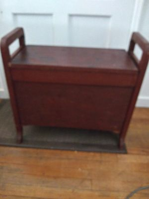 Antique storage chest/table for Sale in Fresno, CA