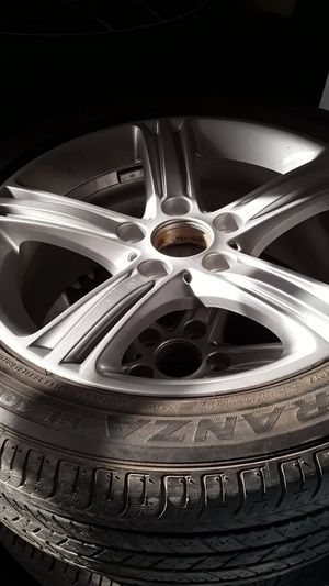 Set BMW 3 series 2014 wheels e tires Bridgestone 225/ 50/ R17 for Sale in Orlando, FL