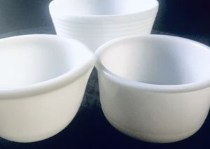 Pyrex Hamilton Beach Mixing Bowls- Milk Glass- Like New!! for Sale in Duncan, SC
