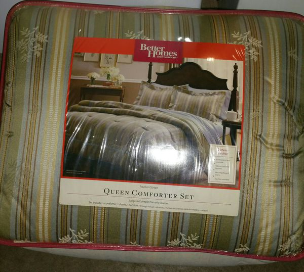 Brand new queen bed set