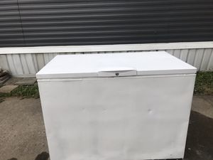 Chest freezer for Sale in Lancaster, OH