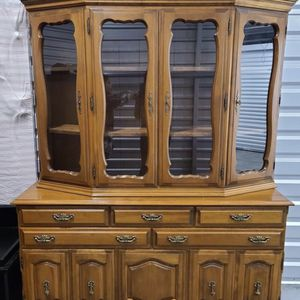 China Cabinet & Hutch for Sale in Allyn-Grapeview, WA