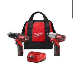 Milwaukee 2494 combo drill kit for Sale in Tucson, AZ