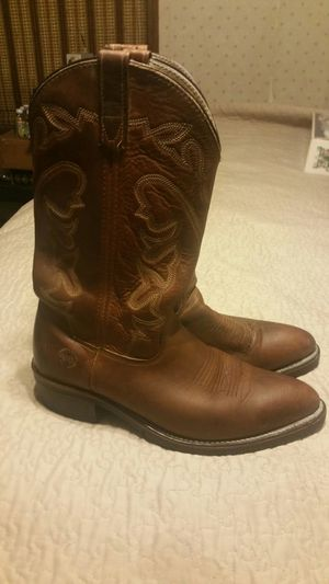 Nice pair of lightly worn Double H Western cowboy work boots size 9 for Sale in Marietta, GA