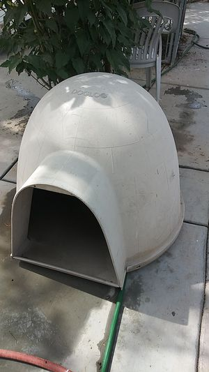 Dog house good condition $55 for Sale in Phoenix, AZ