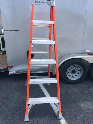 Louisville 6 Ft 300 Lb Fiberglass Ladder for Sale in Wellsville, PA