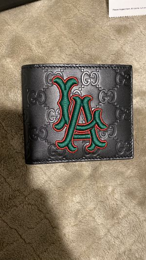 Gucci LA wallet NEW for Sale in Lawrenceville, GA