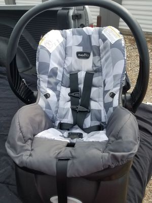 Infant car seat for Sale in Emory, TX