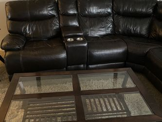 Couch (reclining Ends Electric) for Sale in Lakewood,  CO