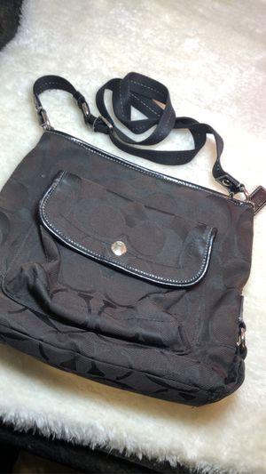 Black Coach crossbody purse/ Bolso negro de Coach for Sale in Stickney, IL