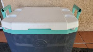 IGLOO COOLER for Sale in Chino, CA