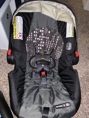 Graco car seat 5-40lbs for Sale in Barnegat Township, NJ