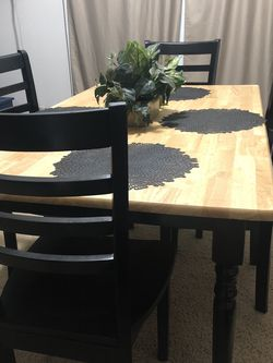 Dining Table With 4 Chairs for Sale in Yakima,  WA