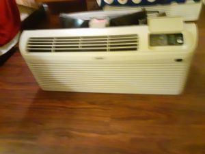 Wall sleeve air conditioner with Heat for Sale in Houston, TX