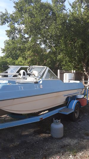 19 82 Kingfisher 16 ft long motorwerks trolling motor works trailers in decent condition no title for Sale in Wilmer, TX