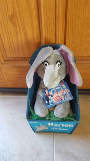 """STUFFED """" HORTON"""" BY DR SEUSS for Sale in Escondido, CA"""