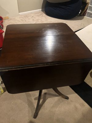 Gorgeous Antique Duncan Phyfe Drop Leaf Table for Sale in Ashburn, VA