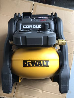 DEWALT FLEXVOLT 2.5 Gal. 60-Volt MAX Brushless Cordless Electric Air Compressor for Sale in Houston, TX